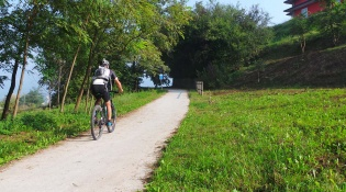 Cavallina Valley Cycle Path