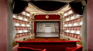 "Theater ""G.Donizetti"""